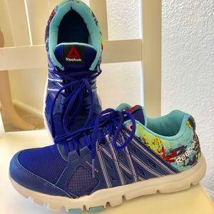 Women's Reebok shoes in pristine condition